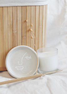Freya Line Drawn Face Clay Jewellery Bowl ||