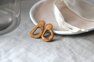 SIAN // Gold Minimalist Clay Earrings