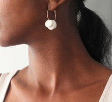 Load image into Gallery viewer, Zuri // Pearl White Clay Hoop Earrings