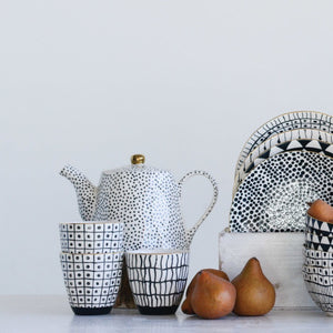 Load image into Gallery viewer, WHITE STONEWARE TEAPOT WITH BLACK SPECKLES & GOLD ELECTROPLATING