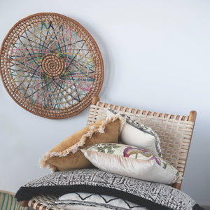 "25"" ROUND HANDWOVEN ABACA WALL DÉCOR"