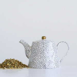 WHITE STONEWARE TEAPOT WITH BLACK SPECKLES & GOLD ELECTROPLATING