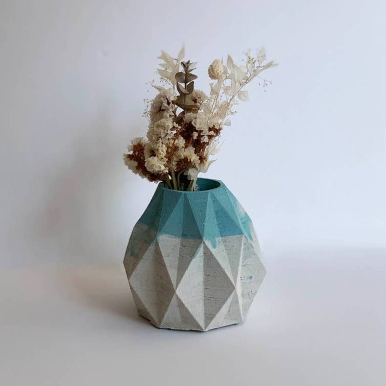 GEOID DECORATIVE OBJECT + VASE