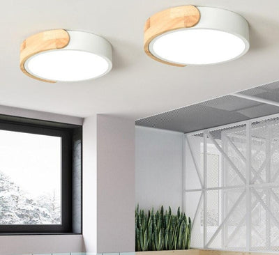 Round Wooden Ceiling Mounted Acrylic Lighting Fixtures With Metal Lampshade
