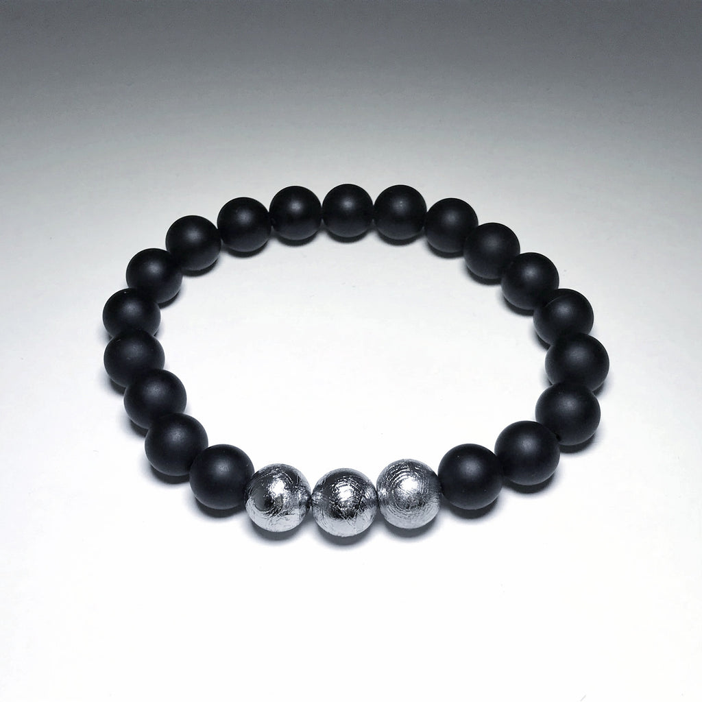 Muonionalusta Meteorite with Black Onyx Beaded Bracelet - 8mm