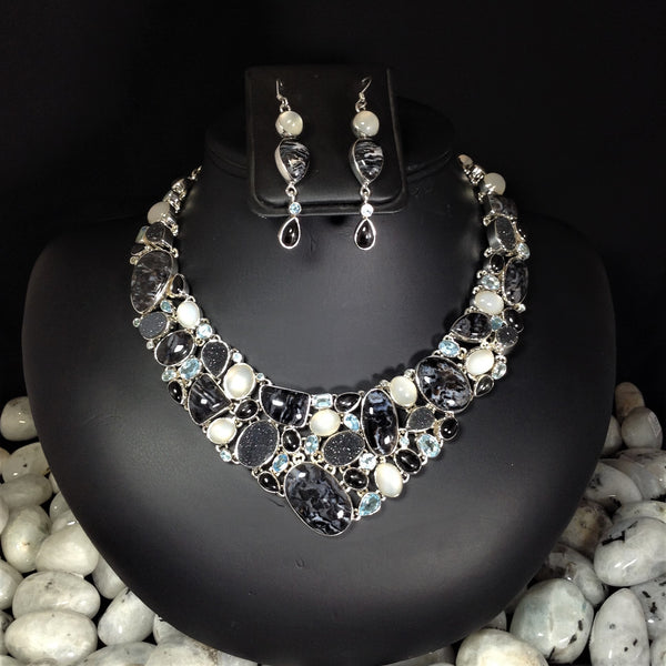 Rocks and Gems Canada, gems, necklaces, sardonyx