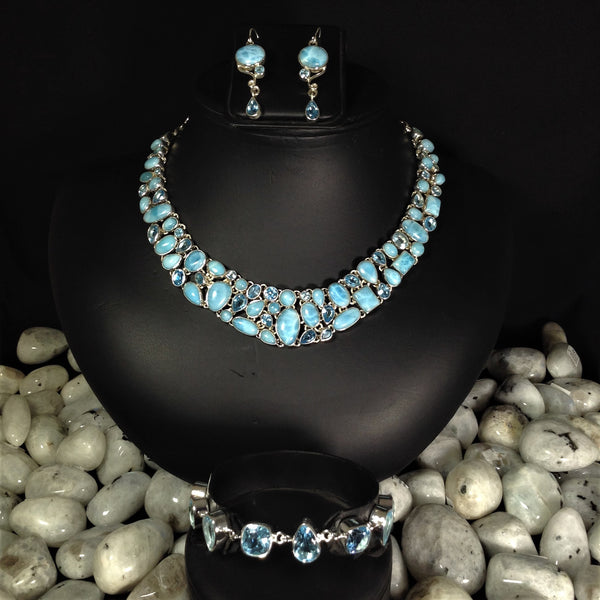 Rocks and Gems Canada, gems, necklaces, larimar, blue topaz