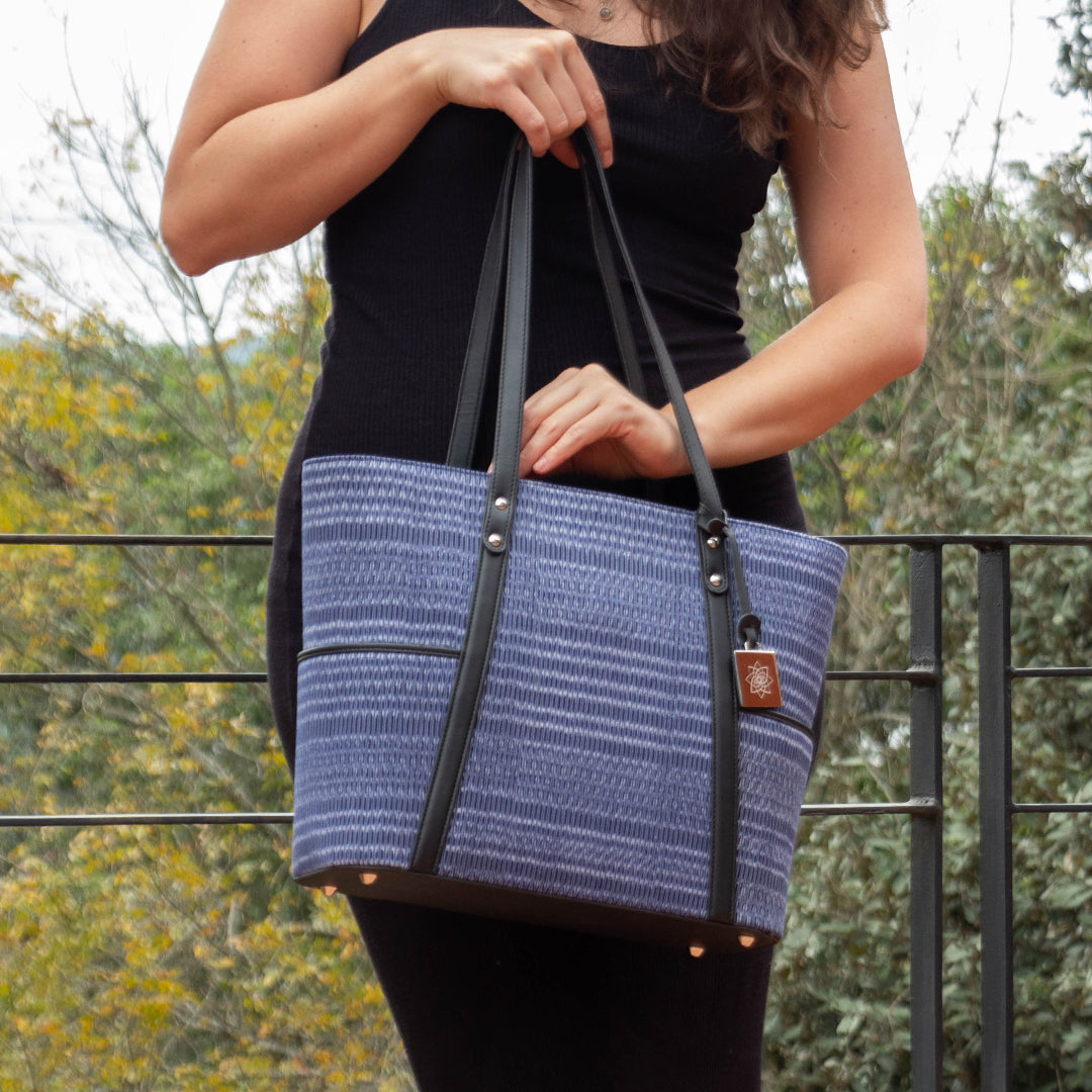 IKAT | Base negra