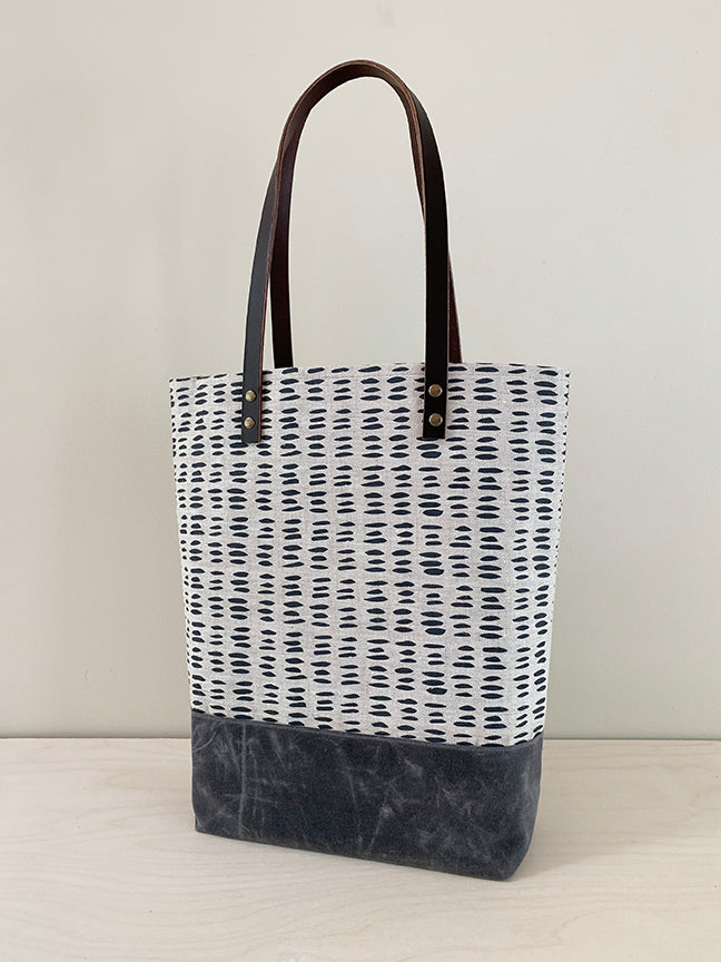 "Linen ""Dashes"" Tote"