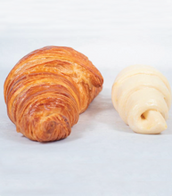 Load image into Gallery viewer, The Croissant Box (20 pieces)