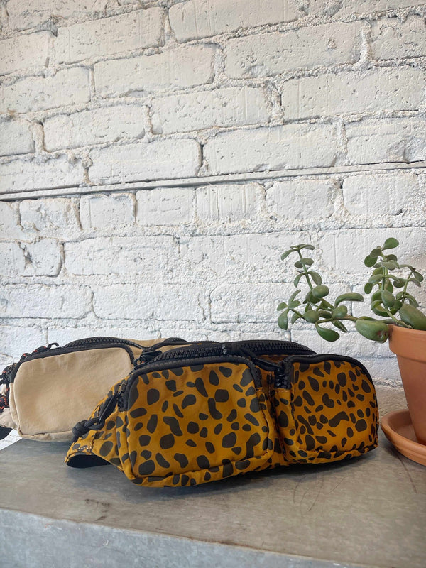 Classic Fanny Pack-handbag-Yellow Umbrella