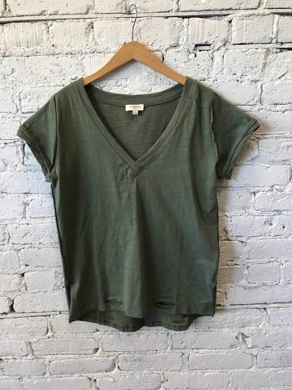Distressed Hem V-Neck Tee - Olive-Tee-Yellow Umbrella