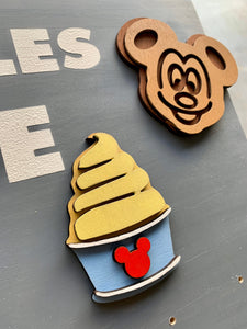 Mickey snacks medal holder