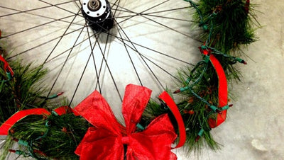 How to Make a Holiday Bicycle Wheel Wreath