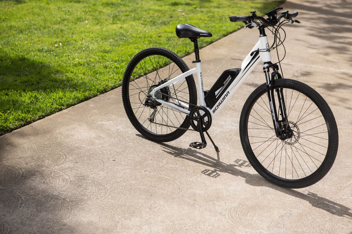 Women's Voyageur Electric Bike
