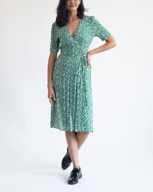 Daisies on a Green Meadow Dress