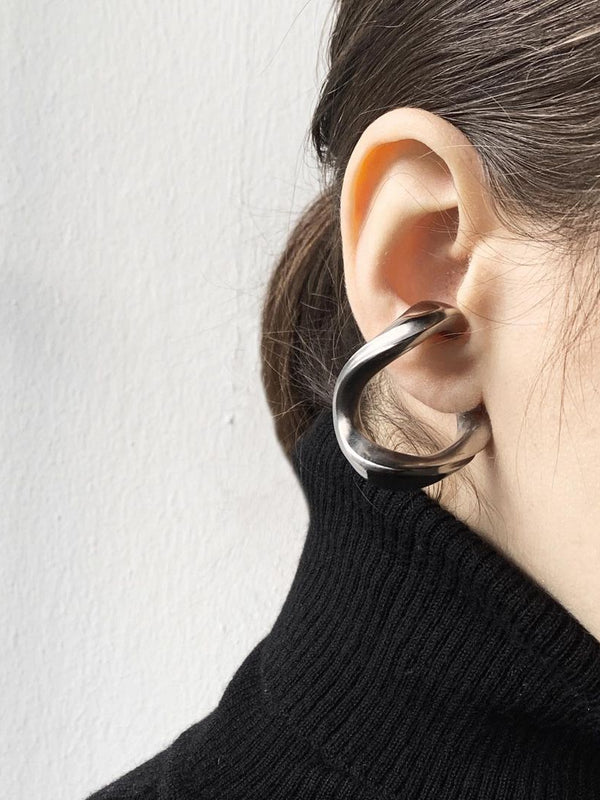 Twist Earcuff Large Hollow in 3d printed Titanium