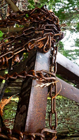 Metal, rust, patina, chain, fence, corrosion.