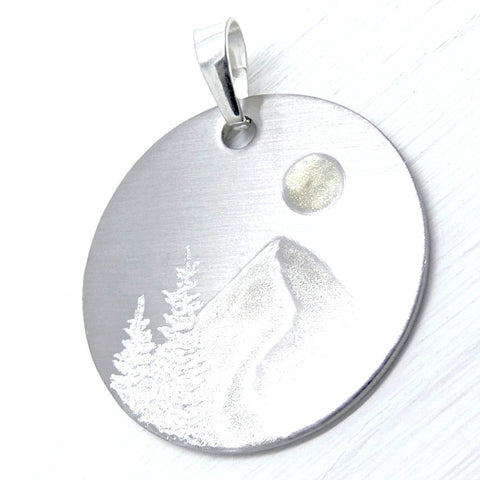 SILVER SLOPE Circle Necklace