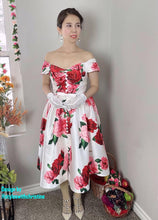 Load image into Gallery viewer, Diana Dress in Roses Taffeta size S - Shop women style vintage, Audrey Hepburn jackets online -Christine