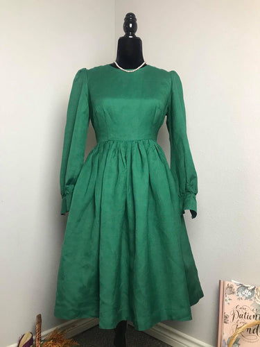 Loren Dress in Green Cotton - Shop women style vintage, Audrey Hepburn jackets online -Christine
