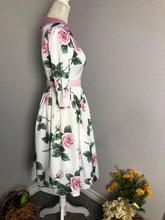 Load image into Gallery viewer, Kennedy Dress in Taffeta Roses - Shop women style vintage, Audrey Hepburn jackets online -Christine