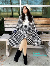 Load image into Gallery viewer, Lisa Collar suit in Tweed plaid patterns - Shop women style vintage, Audrey Hepburn jackets online -Christine