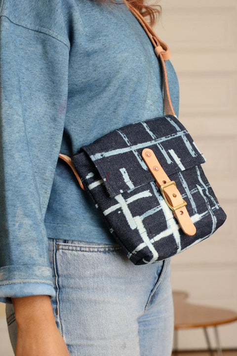 Small Cross Body Bag | Achromatize Broken Twill Denim (Japan)