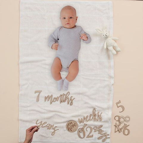 WOODEN PREGNANCY & BABY MILESTONE SIGNS