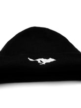 Load image into Gallery viewer, El Solitario El Solitario Cashmere Beanie Hat black. Front 3
