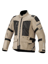 Load image into Gallery viewer, El Solitario Mowat Drystar® Sand Jacket X Alpinestars. Front 2