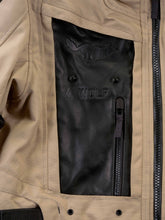 Load image into Gallery viewer, El Solitario Mowat Drystar® Sand Jacket X Alpinestars. Detail