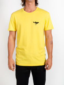 El Solitario Basic Yellow T-Shirt. Model