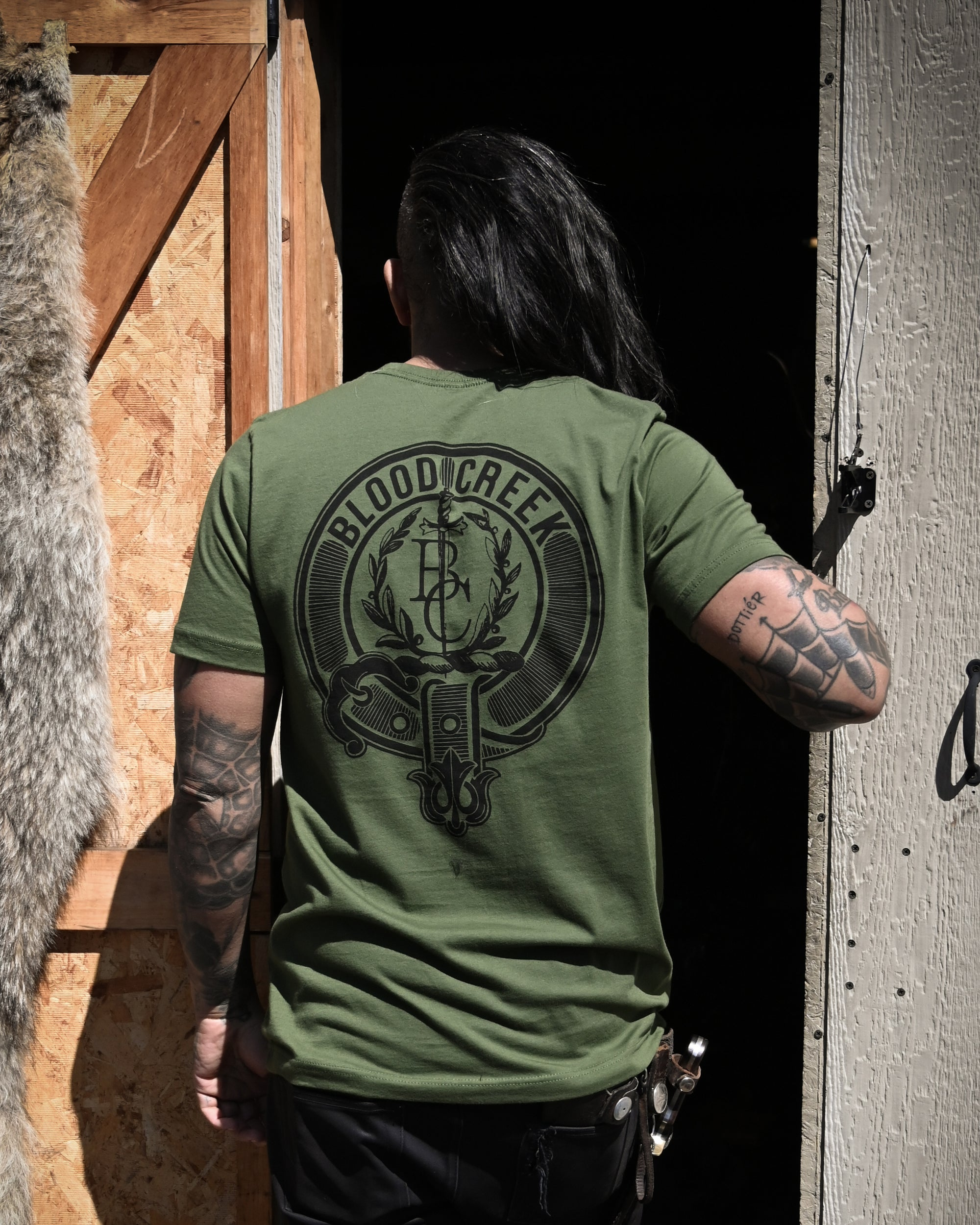 'BC' Clan Crest T-shirt in Olive