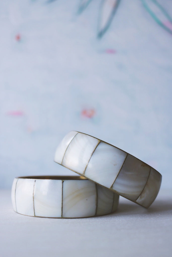 wide shells bangle