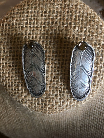 Feather Scene Post Earrings 18/55