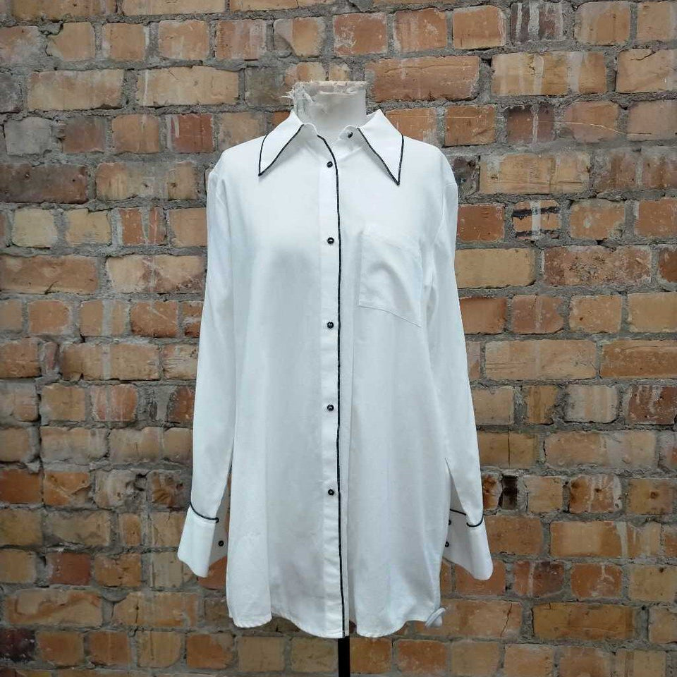 White L/slv shirt w/ pointed collar & black piping