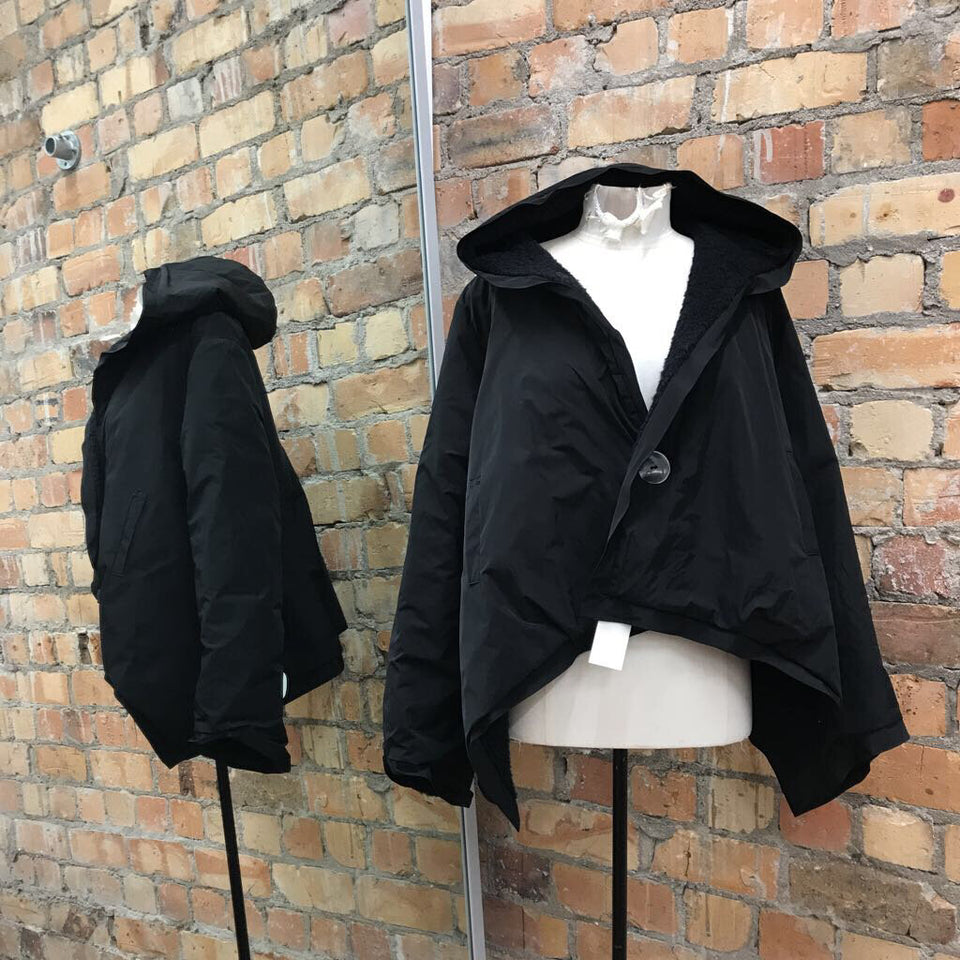 Black L/slv cropped puffer / fuzzy reversible jacket