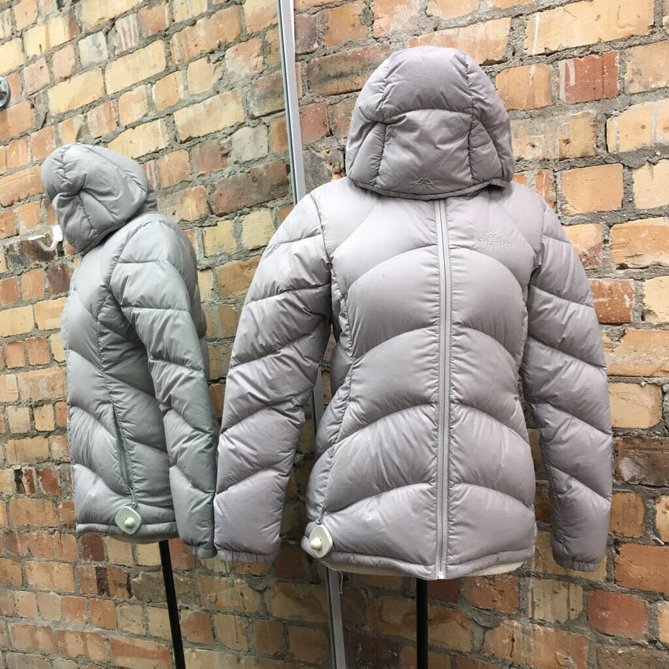 zip-up hooded puffer jacket