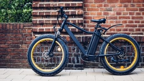 Fat Tire vs. Regular E-Bikes: What's the Difference?