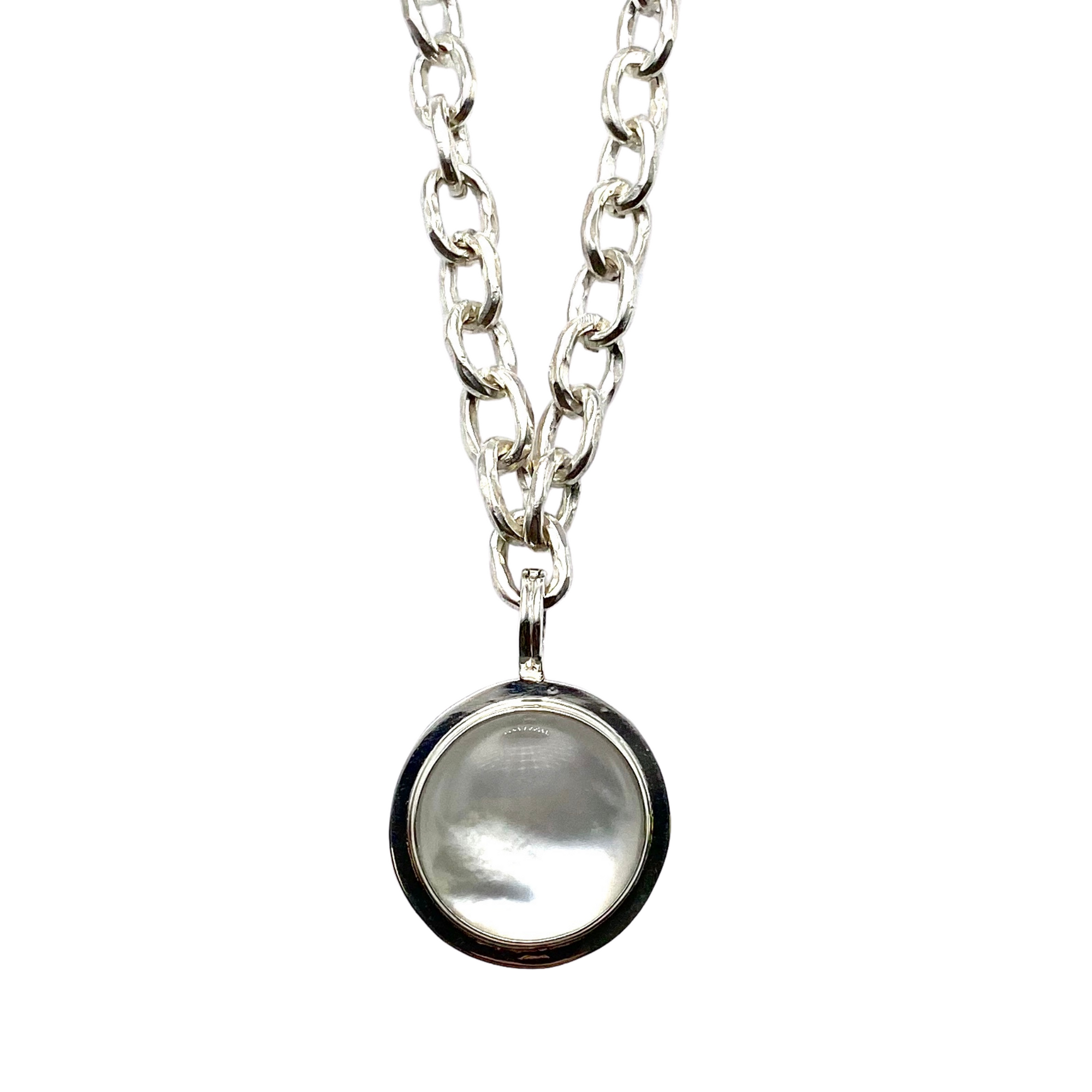 Mother of Pearl Rim Pendant