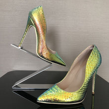 Load image into Gallery viewer, Snake Skin Stiletto