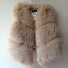 Load image into Gallery viewer, Autumn / Winter Faux Fox Fur Vest