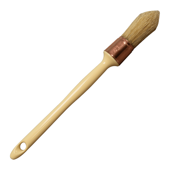 Dixie Belle French Tipped Pointed Sash Brush