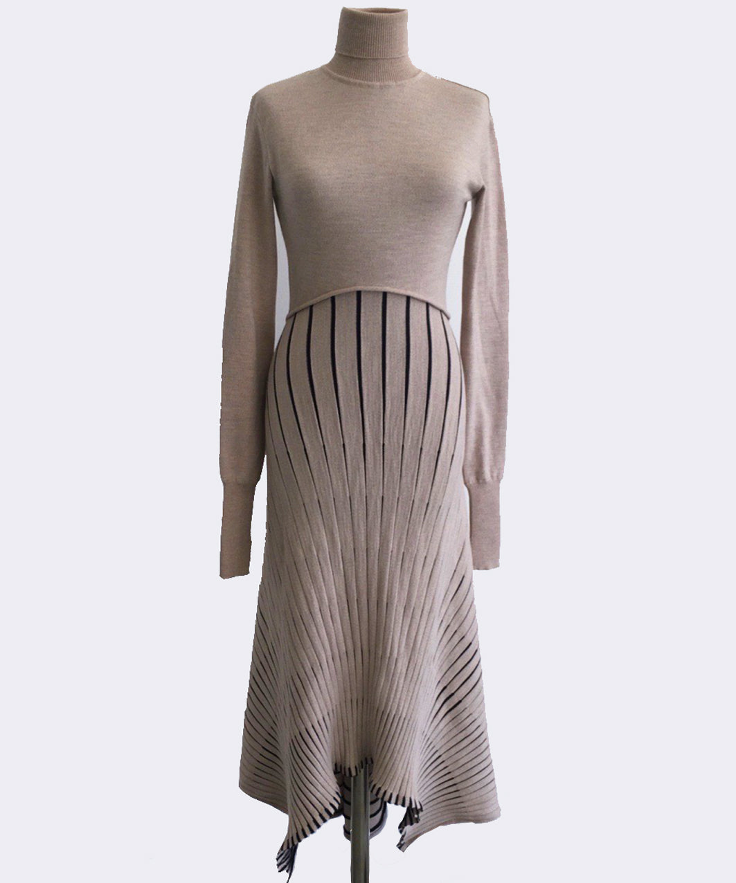 NUDE HIGH RIB-NECK DRESS pre-order