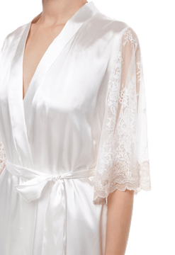 Короткий халат Suavite lace-short-robe-slp82-19-mw-bridget-w