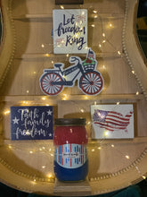 "Load image into Gallery viewer, July 4th ""Freedom"" 16oz soy wax candle"
