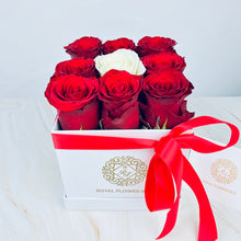 Load image into Gallery viewer, Red Velvet Rose Flower Box - Small