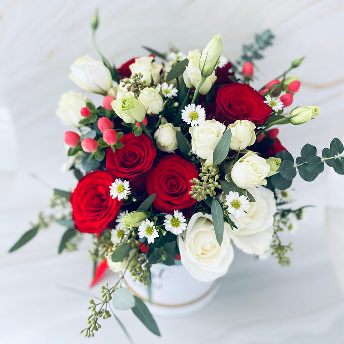 Red & White Roses Flower Box