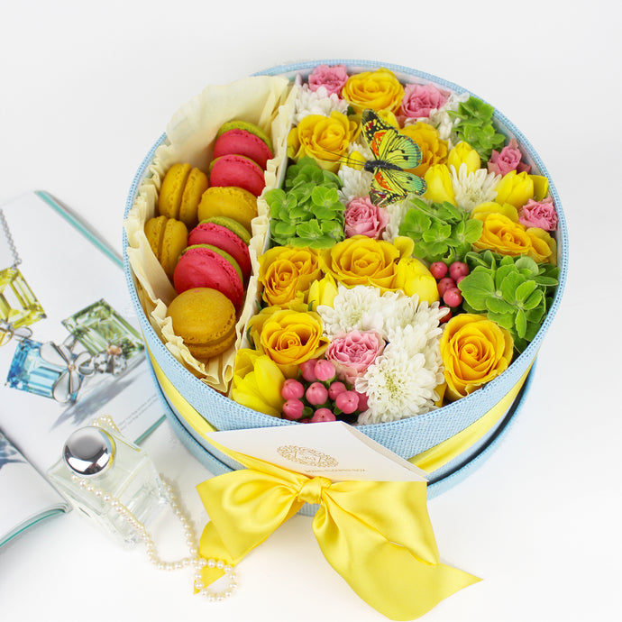 Sunshine Flower Box With Macarons